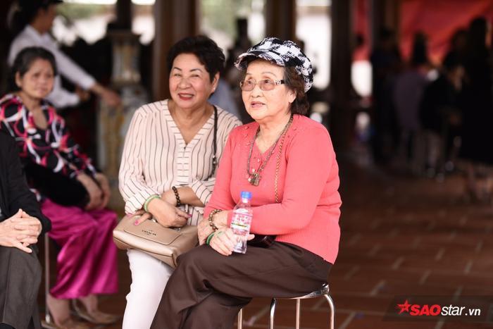 Song thân của NSƯT Hoài Linh cũng có mặt tham dự buổi lễ.