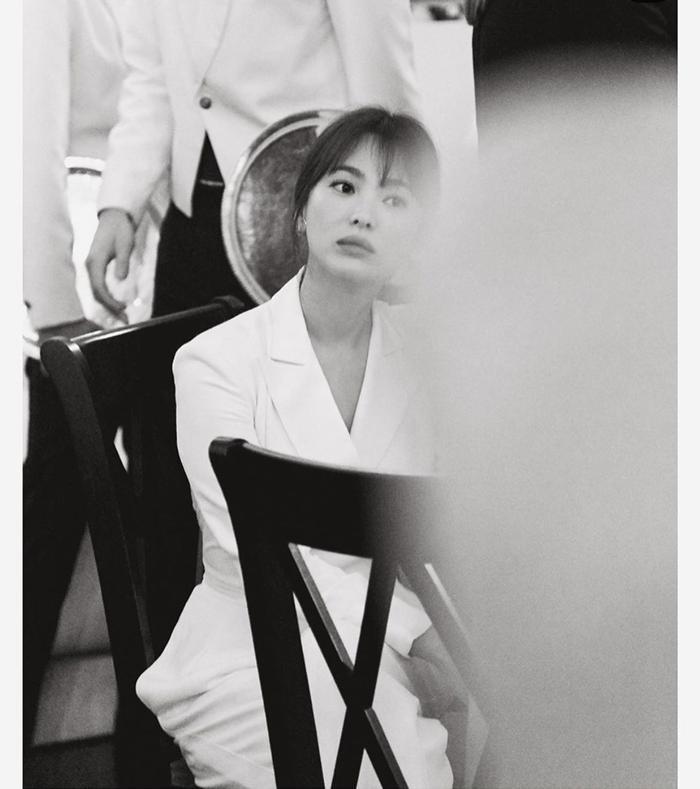 Loạt ảnh đẹp đến ná thở của Song Hye Kyo khi tham dự New York Fashion Week ảnh 17