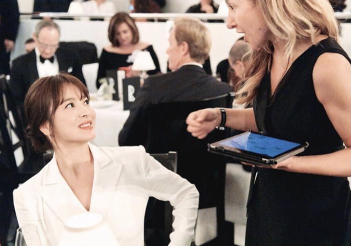 Loạt ảnh đẹp đến ná thở của Song Hye Kyo khi tham dự New York Fashion Week ảnh 2