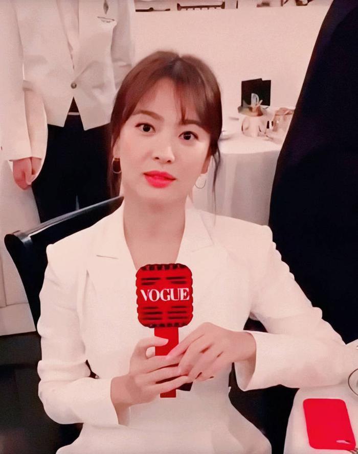 Loạt ảnh đẹp đến ná thở của Song Hye Kyo khi tham dự New York Fashion Week ảnh 3