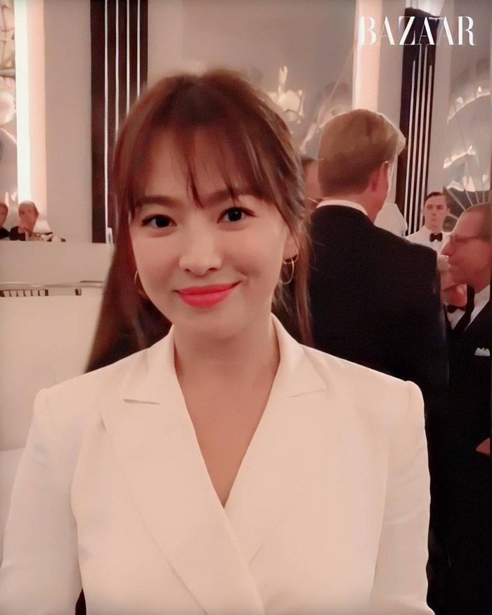 Loạt ảnh đẹp đến ná thở của Song Hye Kyo khi tham dự New York Fashion Week ảnh 9