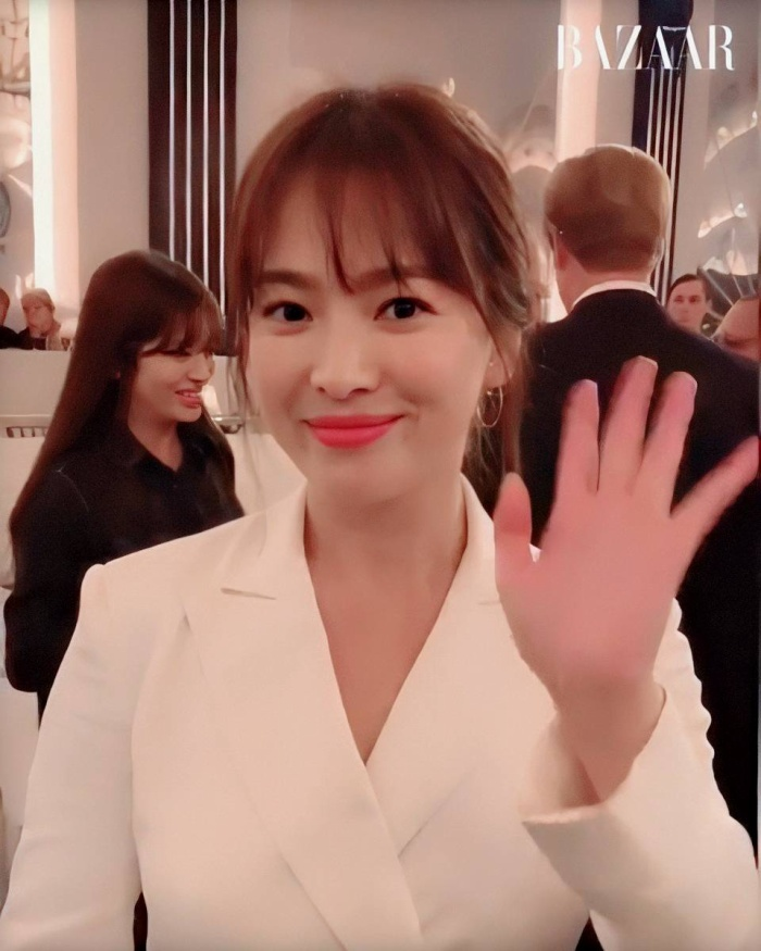 Loạt ảnh đẹp đến ná thở của Song Hye Kyo khi tham dự New York Fashion Week ảnh 8