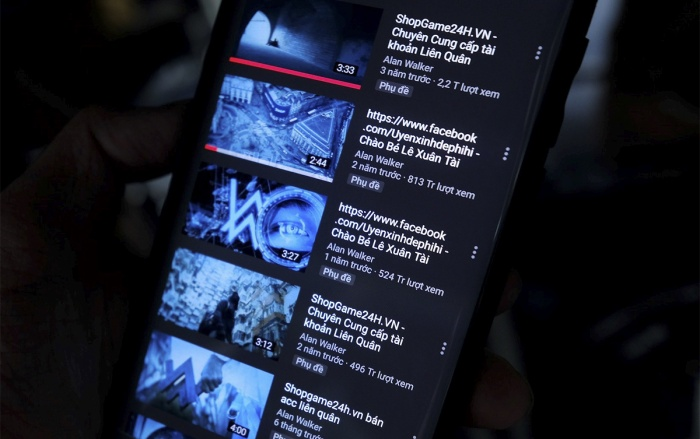 Hàng loạt MV trăm triệu view bị đổi tên để quảng bá cho một số cá nhân người Việt trên YouTube. (Ảnh: Zing)