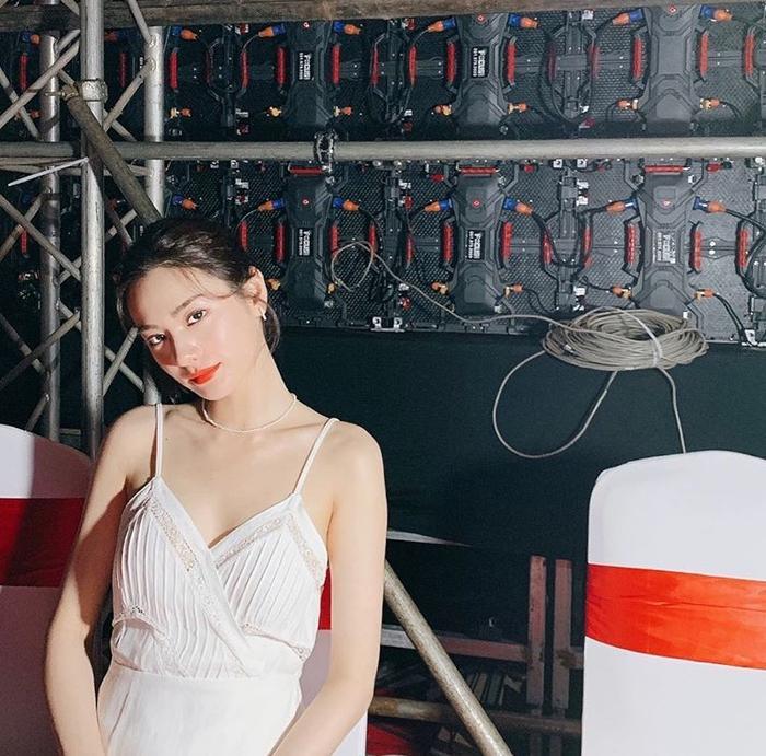 Được khen là người đẹp số 1 thế giới sau sự kiện ở Việt Nam, Nana (After School) gây tranh cãi tại Hàn ảnh 9