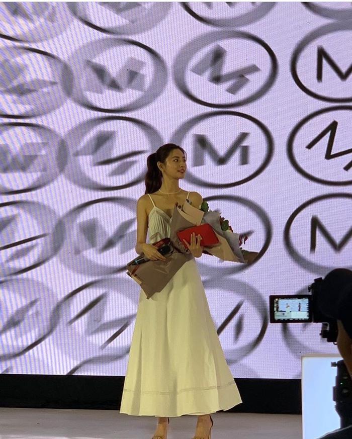 Được khen là người đẹp số 1 thế giới sau sự kiện ở Việt Nam, Nana (After School) gây tranh cãi tại Hàn ảnh 7