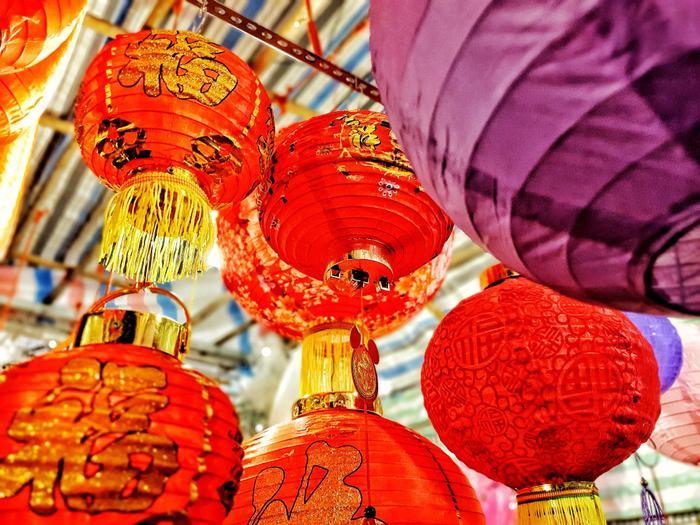 Phố lồng đèn ở Sài Gòn chật kín người đổ về check-in trước thềm Trung Thu ảnh 11