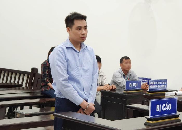 Nguyễn Trọng Trình trong phiên toà sáng ngày 10/9.