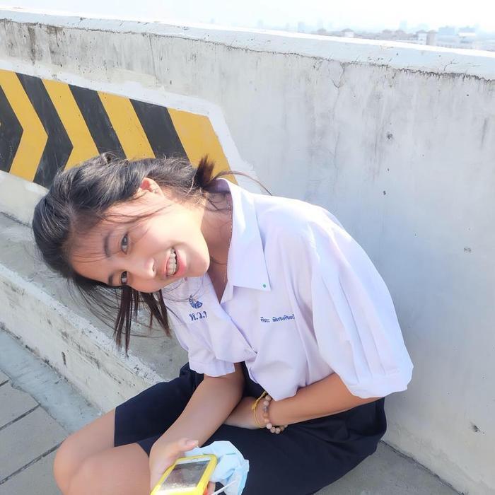 Khuôn mặt rất xinh và bộ răng đều nhưng các WAGs Thái Lan rất thích niềng răng.