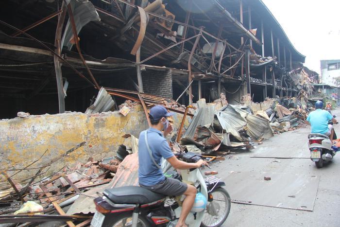 Sau vụ cháy khiến 27,2 kg thuỷ ngân đã phát tán ra môi trường, Công ty Rạng Đông phải chịu trách nhiệm gì? ảnh 0