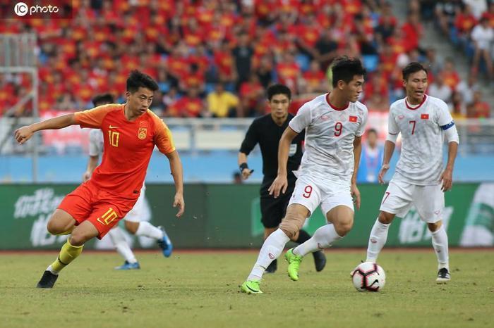 Truyền thông Trung Quốc chỉ ra nguyên nhân dẫn đến thành công của bóng đá Việt Nam.