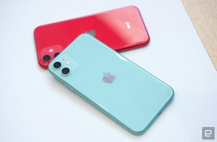 Về thiết kế, iPhone 11, phiên bản kế nhiệm cho chiếc iPhone XR của năm ngoái, vẫn giữ nguyên ngôn ngữ thiết kế quen thuộc từ năm 2017. (Ảnh:Engadget)