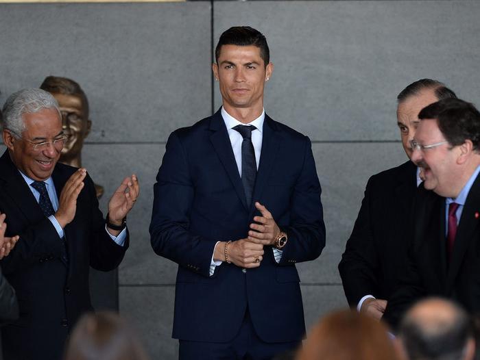 Siêu sao Ronaldo vừa ghi 4 bàn cho Bồ Đào Nha nhưng từng bị fan Hàn Quốc tố là kẻ lừa đảo.