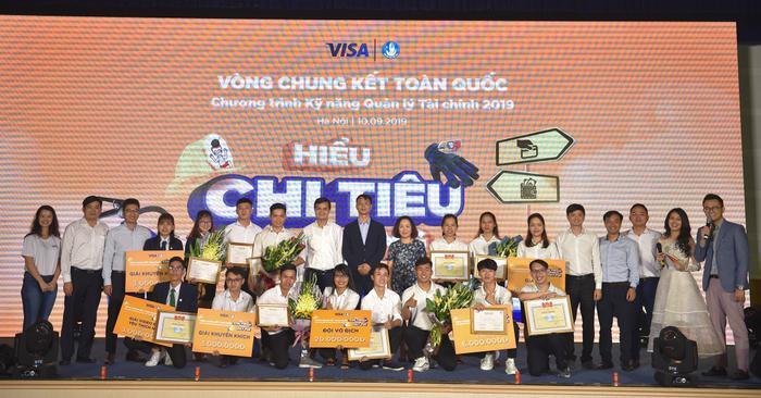 Các đội thi tại vòng chung kếtchương trình Kỹ năng Quản lý Tài chính 2019