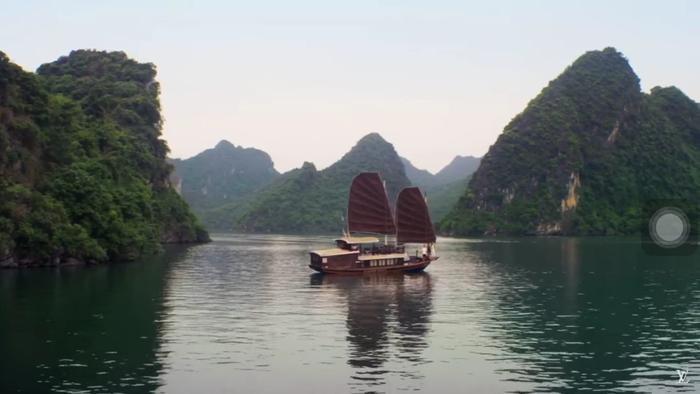 Vịnh Hạ Long…. những danh lam thắng cảnh nổi tiếng lần lượt xuất hiện.