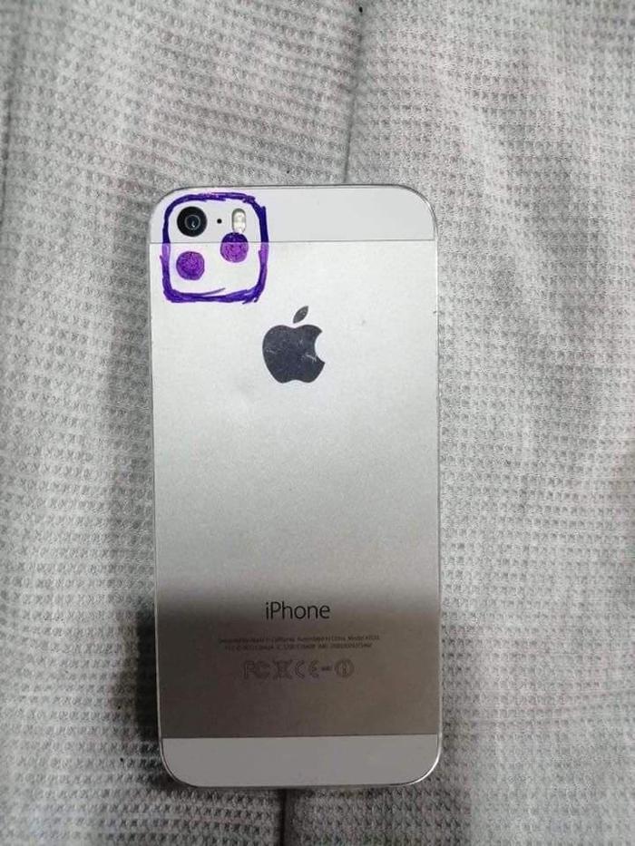 Vẽ thêm camera vào một chiếc Iphone