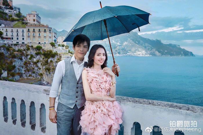 Ảnh cưới lung linh, ngọt ngào của con trai trùm showbiz Hong Kong Hướng Tả và người đẹp Quách Bích Đình ảnh 8