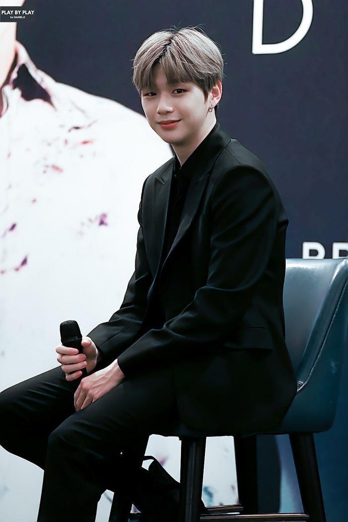 Kang Daniel là nghệ solo đầu tiên sở hữu album debut đạt được danh hiệuBạch kim kép.