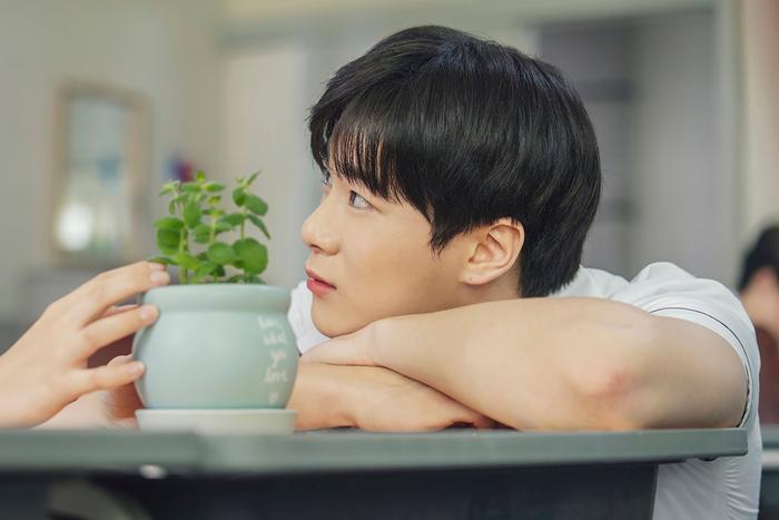 100 khoảnh khắc đẹp của Ong Seong Woo và Moon Bin (ASTRO) trong Khoảnh khắc tuổi 18 ảnh 77