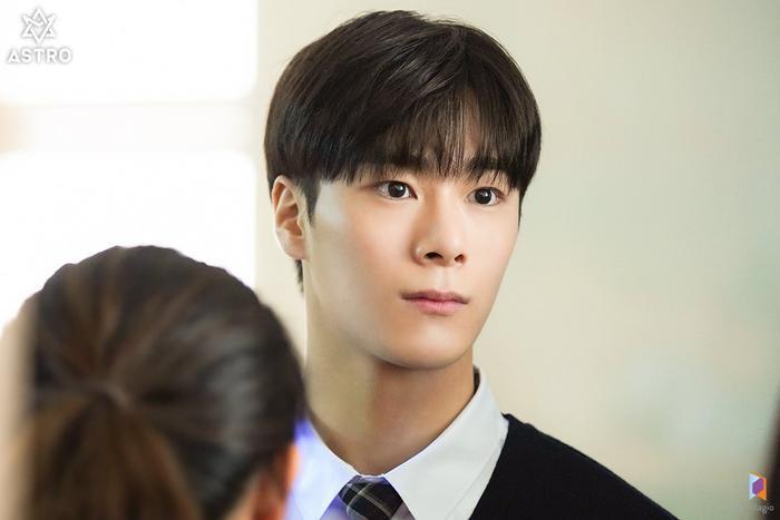 100 khoảnh khắc đẹp của Ong Seong Woo và Moon Bin (ASTRO) trong Khoảnh khắc tuổi 18 ảnh 3