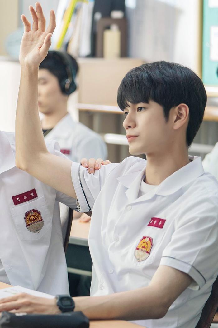 100 khoảnh khắc đẹp của Ong Seong Woo và Moon Bin (ASTRO) trong Khoảnh khắc tuổi 18 ảnh 5