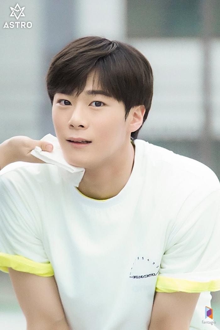 100 khoảnh khắc đẹp của Ong Seong Woo và Moon Bin (ASTRO) trong Khoảnh khắc tuổi 18 ảnh 42