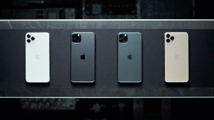 Bộ đôi iPhone 11 vàiPhone 11 Pro vẫn có ít tuỳ màu sắc dù đã có thêm màu xanh màn đêm. (Ảnh: Techradar)