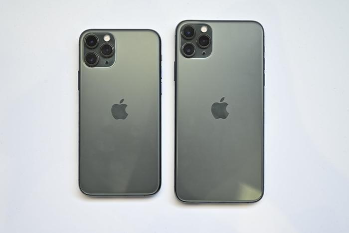 iPhone 11 vẫn không có tính năng sạc ngược không dây. (Ảnh: Digitaltrends)