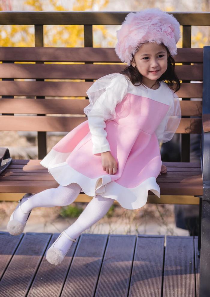 Con gái út của HH Hà Kiều Anh được dự đoán sẽ trở thành tiểu mỹ nhân trong tương lai ảnh 17