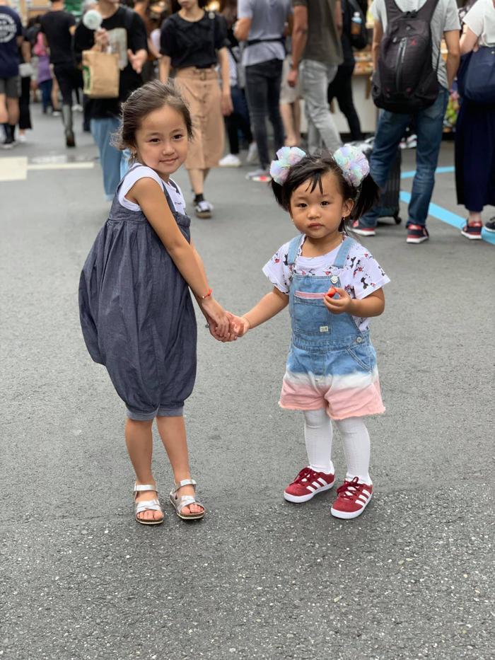 Con gái út của HH Hà Kiều Anh được dự đoán sẽ trở thành tiểu mỹ nhân trong tương lai ảnh 15