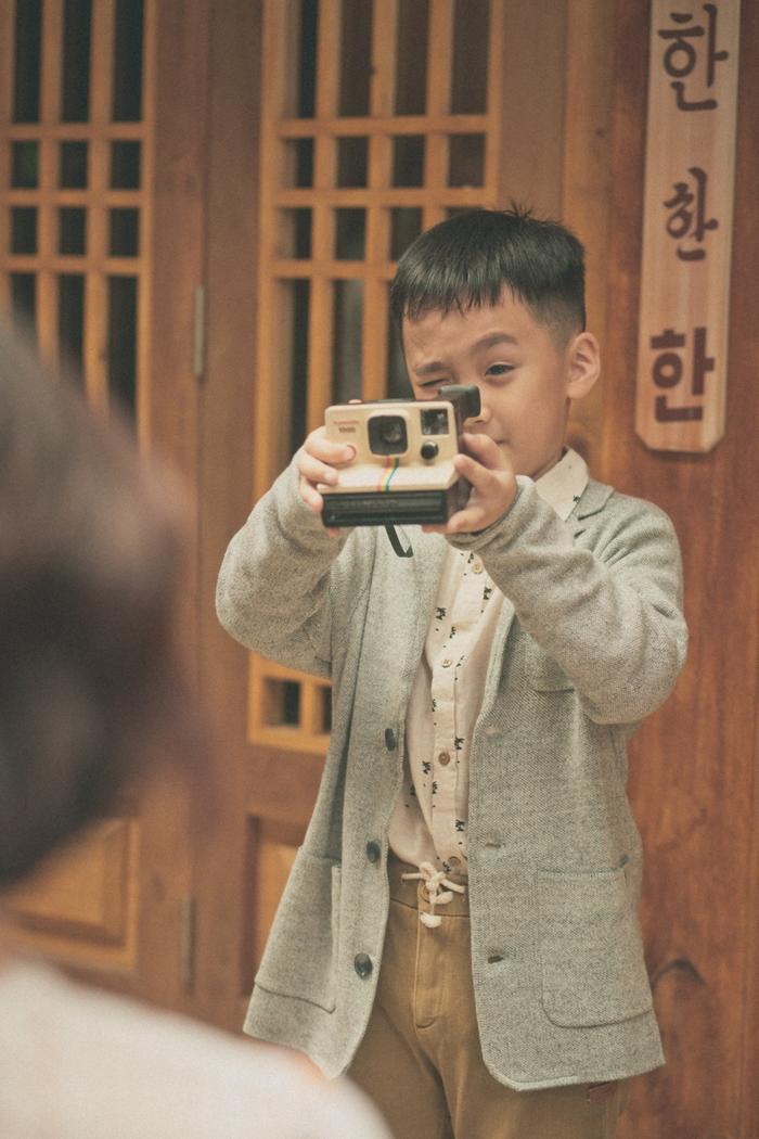 Cậu con trai Andy kháu khỉnh của Thu Trang - Tiến Luật.