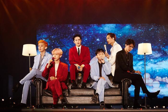 Các chàng trai EXO.