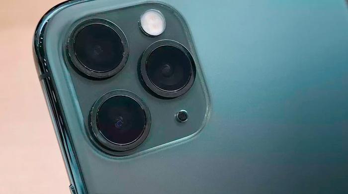 Điểm nhấn chính trên iPhone mới là cụm camera sau được nâng cấp đáng kể.