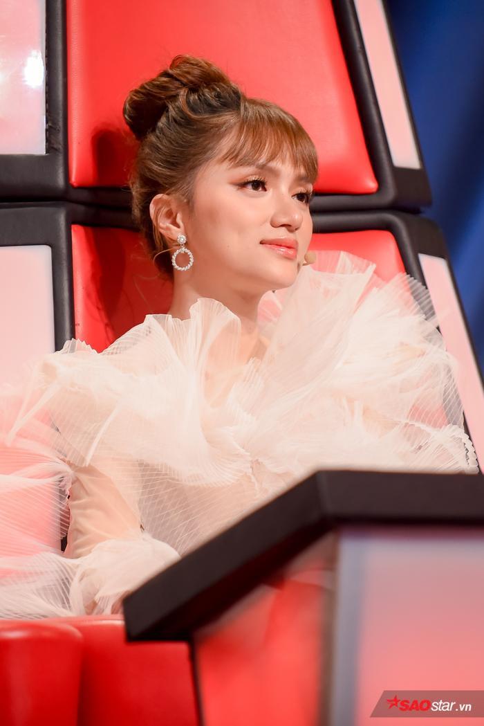 Nhìn thấy được sự tiến bộ của học trò, Hương Giang không nói nên lời khi có nhiều tài năng nhí bỏ lỡ cơ hội tiếp tục tỏa sáng tại The Voice Kids 2019.