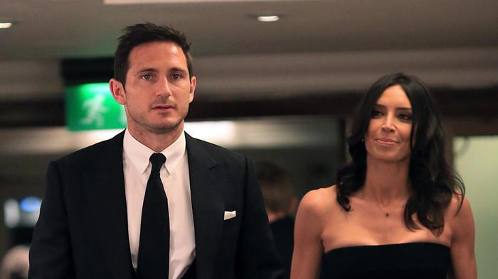 Sau khi chia tay vợ đầu, HLV Frank Lampard tiến tới hôn nhân với nữ MC truyền hình Christine Bleakley hồi năm 2015.