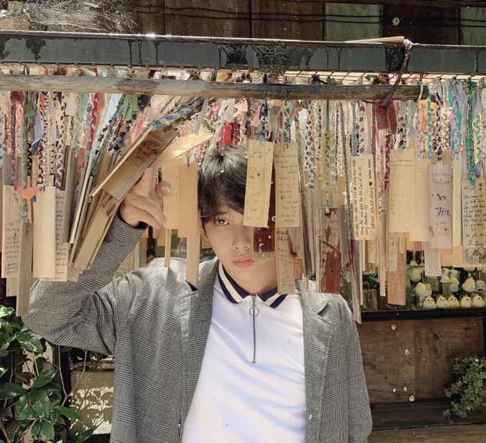 Quỳnh Lý vừa thực hiện bộ ảnh mới tại thành phố mộng mơ Đà Lạt. Anh thổ lộ rằng quyết định chụp ảnh chỉ với một suy nghĩ đơn giản là muốn thay đổi hình ảnh của bản thân.