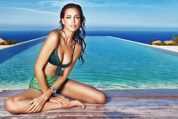 Chuyện tình tốn nhiều giấy mực báo giới nhất của Ronaldo là với siêu mẫu Irina Shayk.