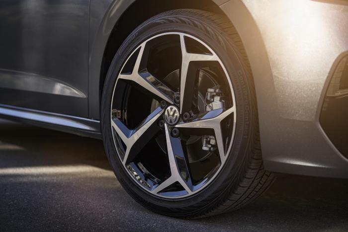 Mâm xe hợp kim kích thước 18 inch.(Ảnh: Volkswagen USA)