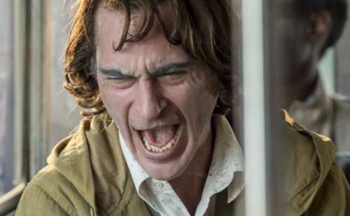 Sẽ chẳng thể có một Joker hoàn hảo nếu không có điệu cười của Joaquin Phoenix ảnh 0