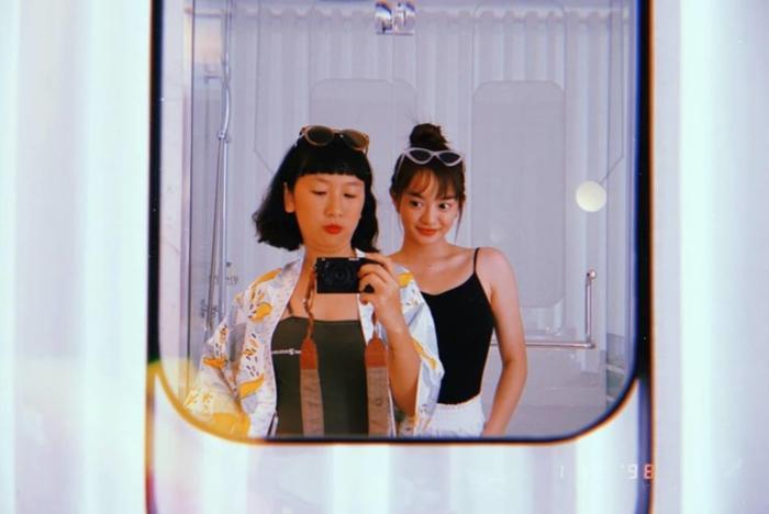 Trang Hý cũng từng chia sẻ rằng chính sự giúp đỡ lẫn nhau một cách tự nguyện cũng như bình tĩnh giải quyết theo cách trưởng thành chính là từ khóa cho tình bạn lâu bền giữa Kaity và Trang Hý.
