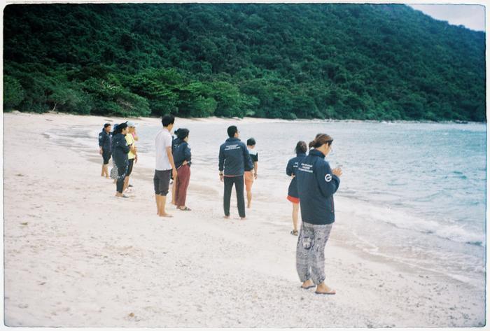 Những tình nguyện viên tham gia bảo tồn rùa biển tại hòn Bảy Cạnh, Côn Đảo, Bà Rịa – Vũng Tàu.
