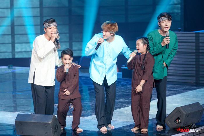 Dí dõm đưa Dương Cầm - Hương Giang vào lời thoại, 3 chàng trai nhóm The Wings cùng Minh Châu, Thành Nhân chia sẻ về chò chơi dân gian phổ biến ở nhiều miên quê Việt Nam - Con quay.
