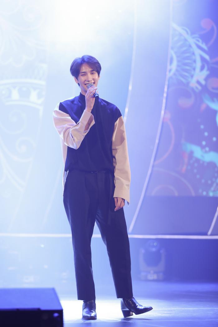 Đáp chuyến bay tối 19/9,Park Jung Mindành một ngày nghỉ ngơi và tập luyện ca khúc.