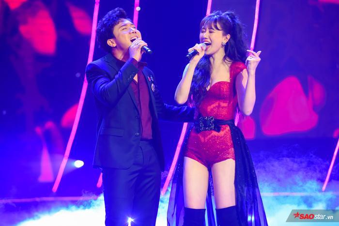 Hari Won bị Trấn Thành tố thiếu chuyên nghiệp ngay trên sân khấu mini concert Galaxy Of Love ảnh 34
