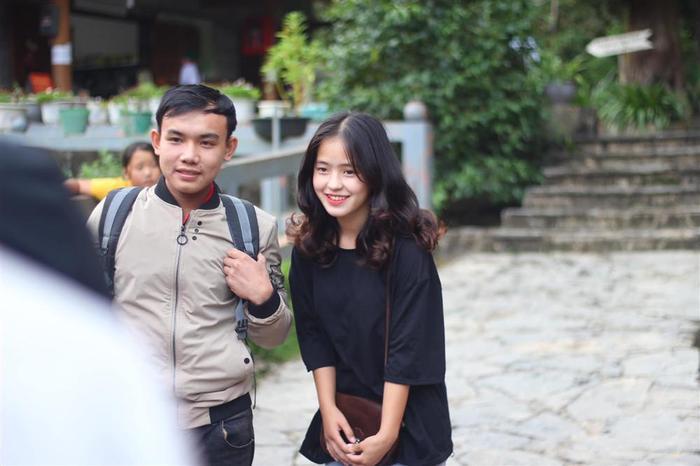 Sau hơn 1 năm nổi tiếng, cô bé bán lê ở Hà Giang càng ngày càng xinh đẹp, đáng yêu ảnh 4