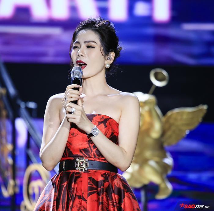 Sự xuất hiện của nữ ca sĩ Lệ Quyên cũng được khán giả dành tình cảm.