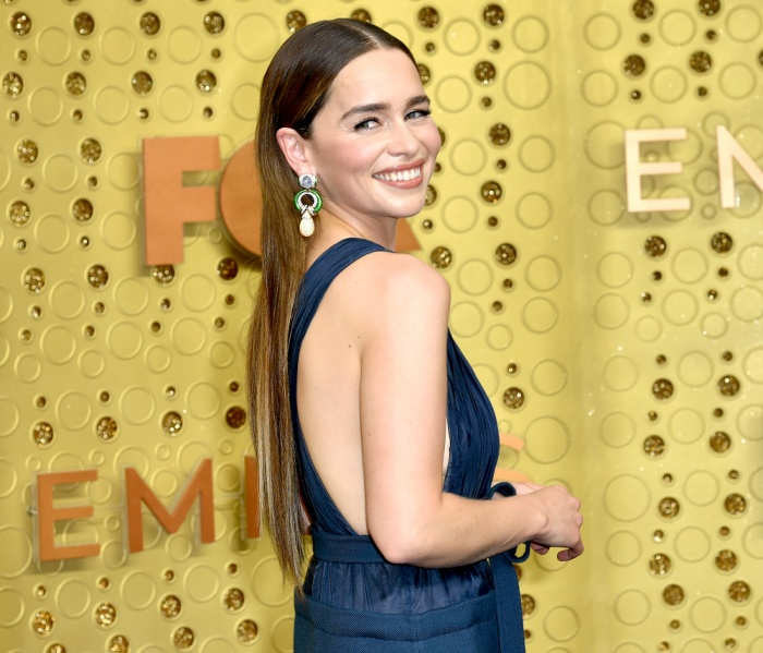'Mẹ rồng' Emilia Clarke bất ngờ để tóc nâu khi đứng cùng dàn cast Game Of Thrones khiến fan không nhận ra ảnh 5