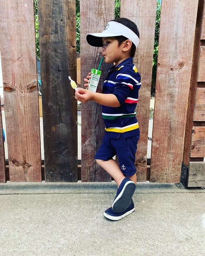 Con trai 2 tuổi của Đan Trường tích cực tập thể dục cho body đẹp để chụp hình quảng cáo ảnh 1
