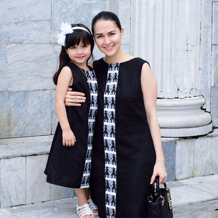 Nàng 'Mỹ nhân đẹp nhất Philippines' Marian Rivera khoe ảnh diện đồ đôi với con gái trong một lần gần đây khiến nhiều người 'phát sốt' vì hết sức dễ thương.