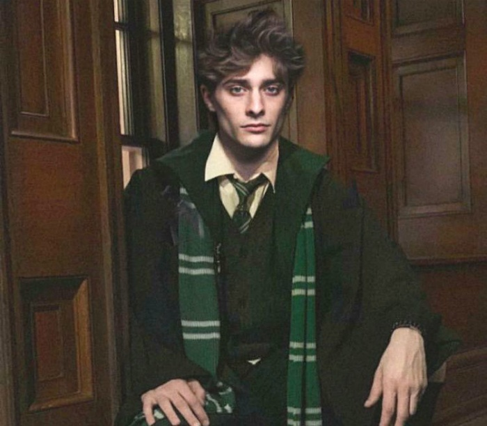 Profile của Maxence Danet Fauvel  Voldermort người Pháp trong trailer phim ngắn về Harry Potter The House Of Gaunt ảnh 8