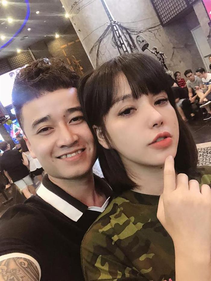 'Soi' chuyện tình hotgirl Việt với bạn trai kém tuổi: Người được chăm từ chân tơ kẽ tóc, kẻ chia tay trong im lặng